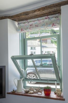 Spectus Vertical Sliding Windows