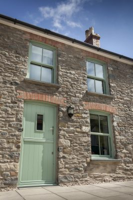 Spectus UNIVERSAL TRADE FRAMES SUPPLIES VERTICAL SLIDERS  FOR HERITAGE COTTAGE