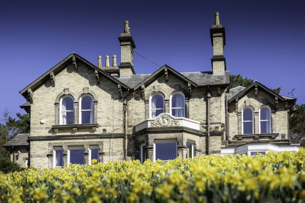 Spectus Spectus Vertical Sliders help revamp stunning 1866 residence